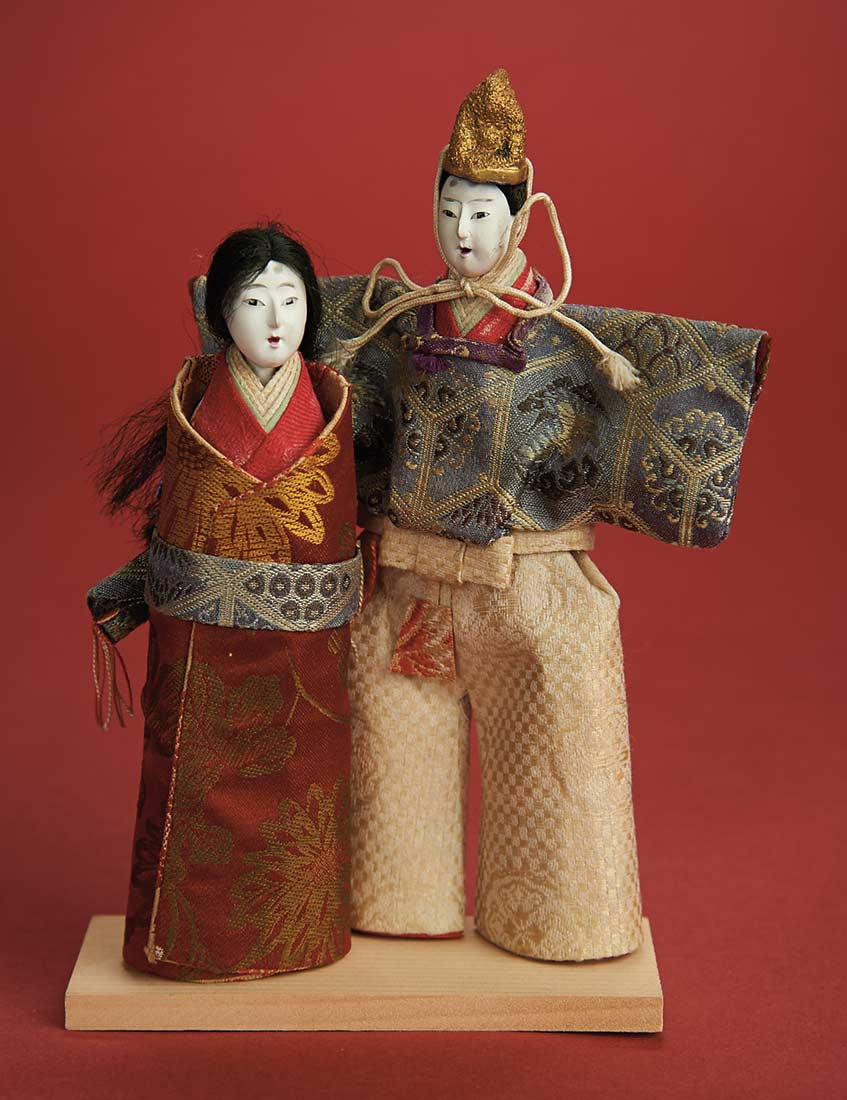 Pair Carved Wooden Tachi Bina In Pee Size