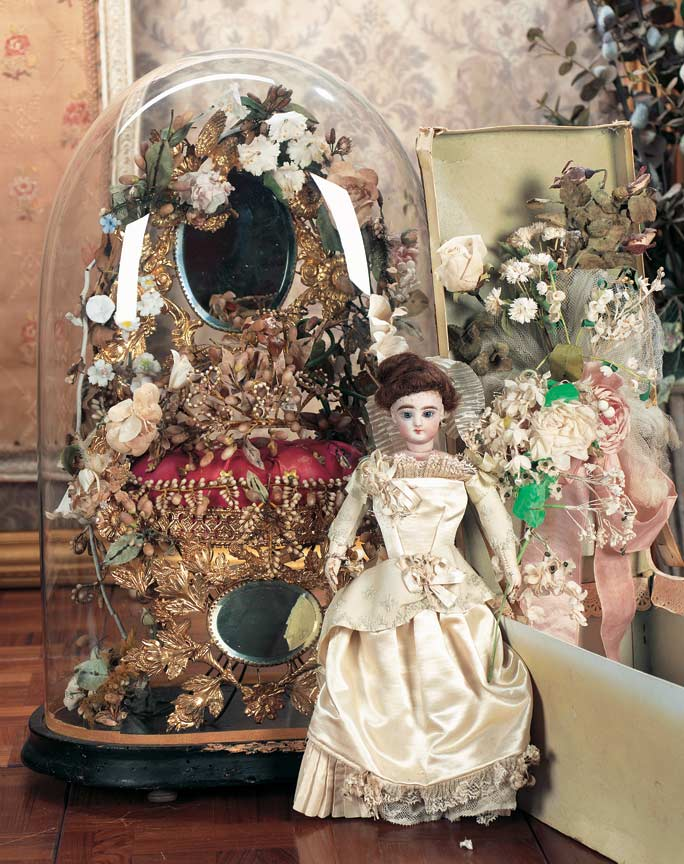 d8f92e29423 Scenes from the Court: 137 Poupee in Original Wedding Gown,with ...